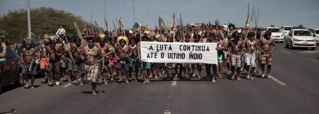Guerreiros Kayapó na Mobilização Nacional Indígena, Brasília, 2015. Foto: Simone Giovine/AFP.