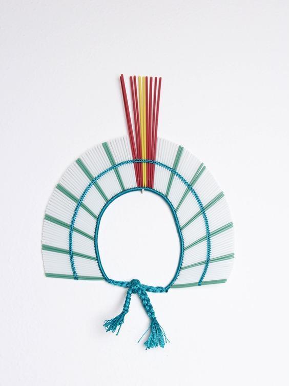 Cocares De Canudos A Arte Feita A Mao Pelos Guerreiros Kayapo